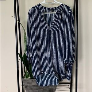 Banana Republic SZ L navy and why high/low blouse